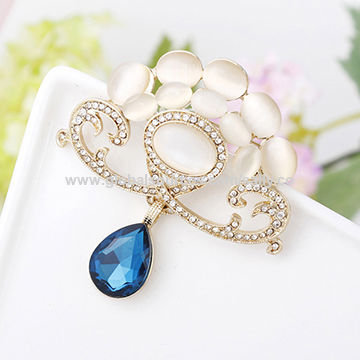 Gold plated alloy brooch with opal, rhinestone and glass, small orders are welcome