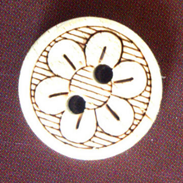 Natural Wholesale Cheap Coconut Button with Flower, Various Sizes/Colors, Eco-friendly