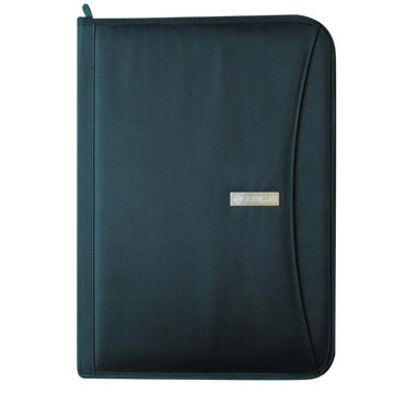 Zippered portfolio in 600D polyester fabric/with outer pocket/A4 notepad/card and document pockets